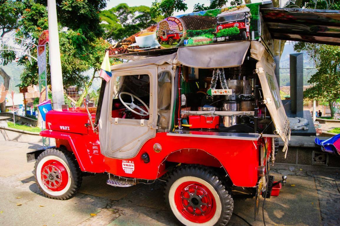 Jeep que vende cafe en Colombia